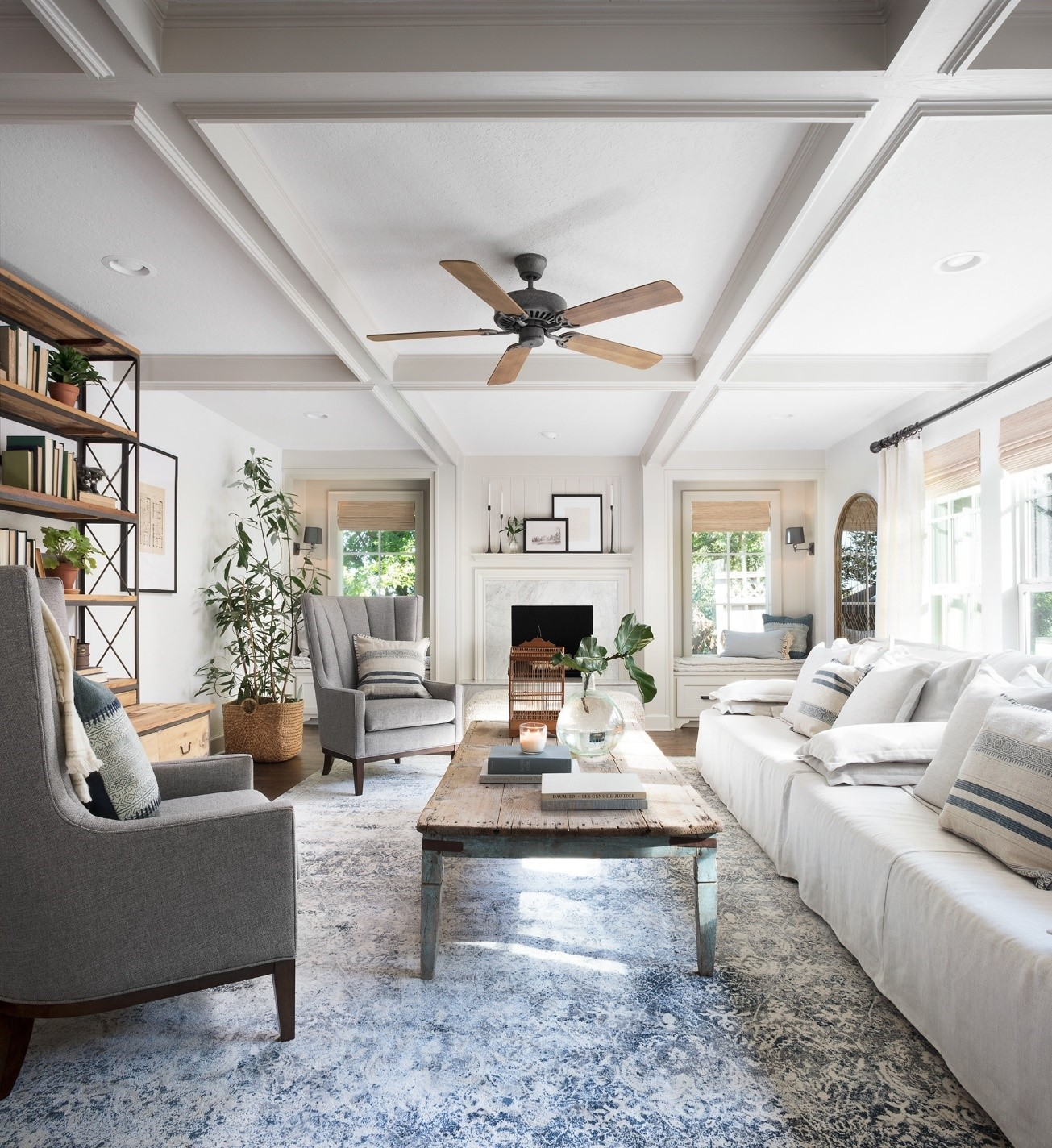 Vintage blue rug living 2 - Interior Impressions